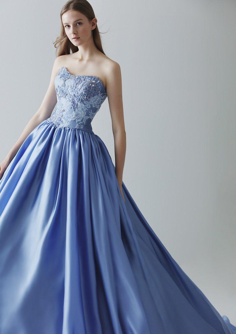 冬 結婚式 カラードレス 青
