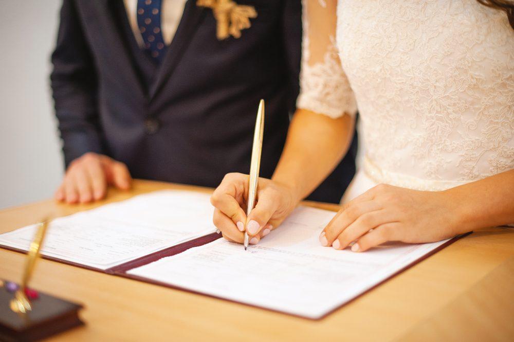 プロポーズ 結婚 準備 計画 入籍 婚姻届け